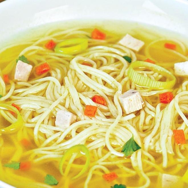 Supa de pui cu taitei – 300gr/40gr